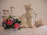 ab96_weiße Keramikkatze